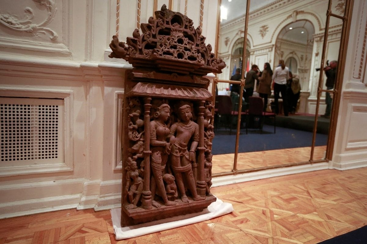 Stolen 15th Century Sculptures of Lord Ram, Sita and Lakshman Back to India from UK After 40 Years -