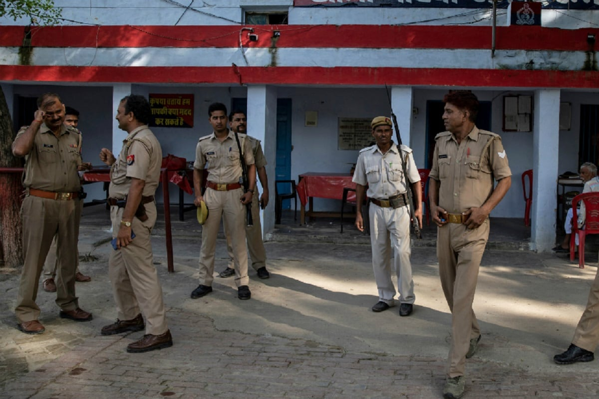 Priest Shot at Over Land Dispute in UP's Gonda District, SP Slams Jungle Raj in State -